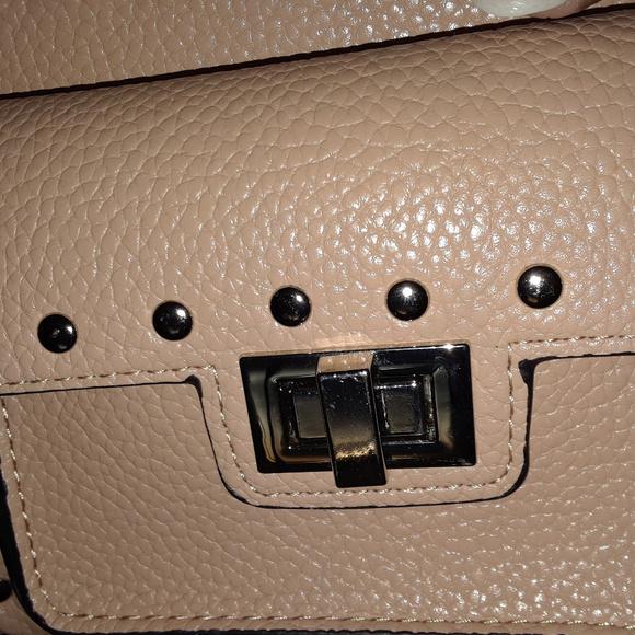 STEVE MADDEN Handbags - STEVE MADDEN CROSS BODY TAN PURSE